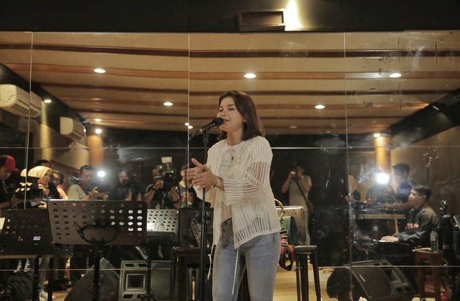 Rossa Akan Kembali Ke Dapur Rekaman Di Tahun 2019