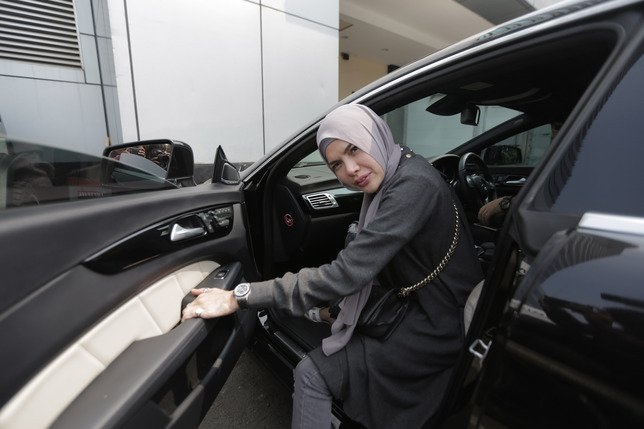 Netizen Sebut Keputusan Hijab Nikita Mirzani Hanya Tuk Cari Sensasi