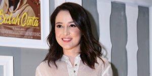 Julie Estelle Terjun Ke Film Komedi Bersama Ernest Prakasa