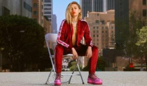 Miley Cyrus X Converse, Jadi Seperti Apa Ya ?