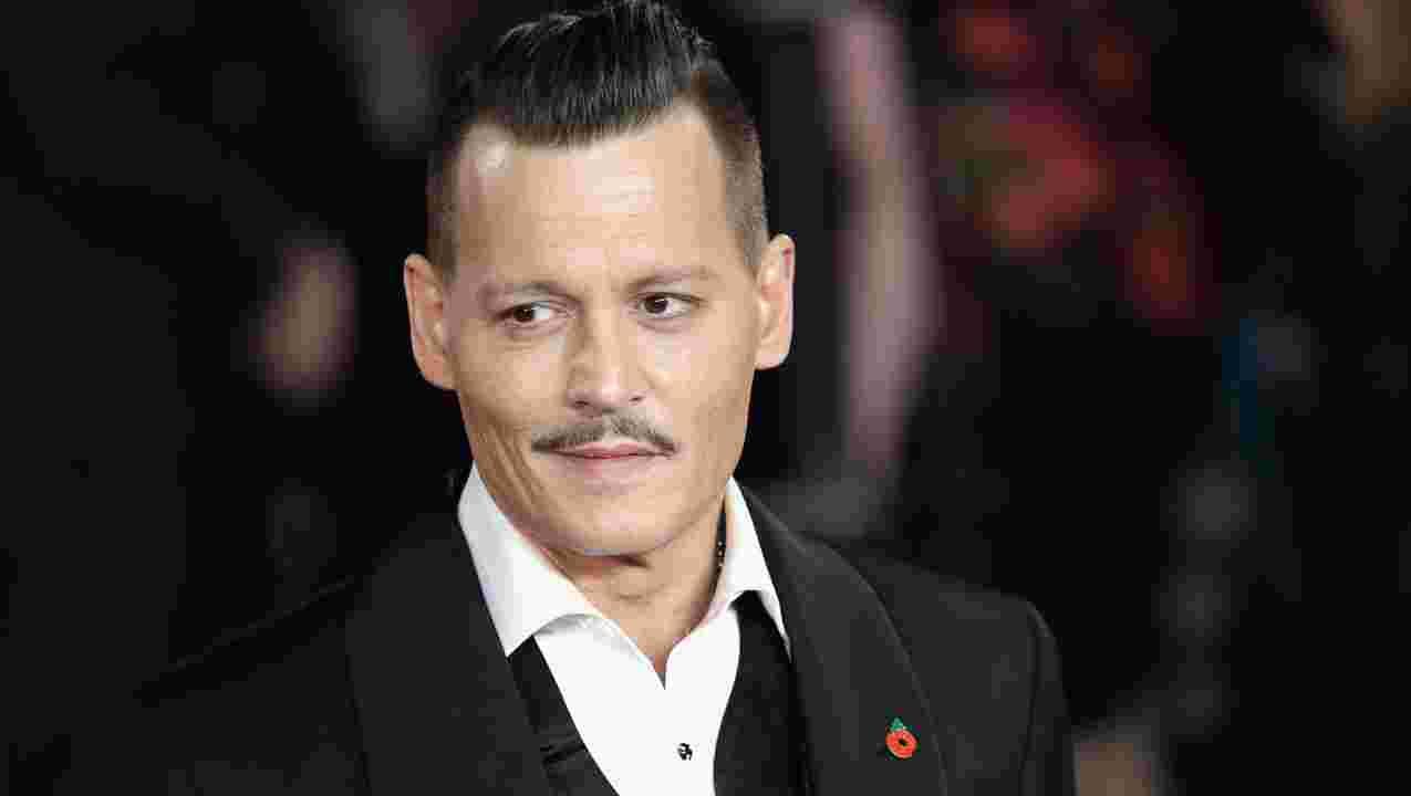 Terlihat Kurus Kerontang, Apa Yang Terjadi Dengan Johny Depp ?