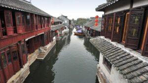 Daftar Destinasi Wisata Desa Terapung Menawan Di Asia